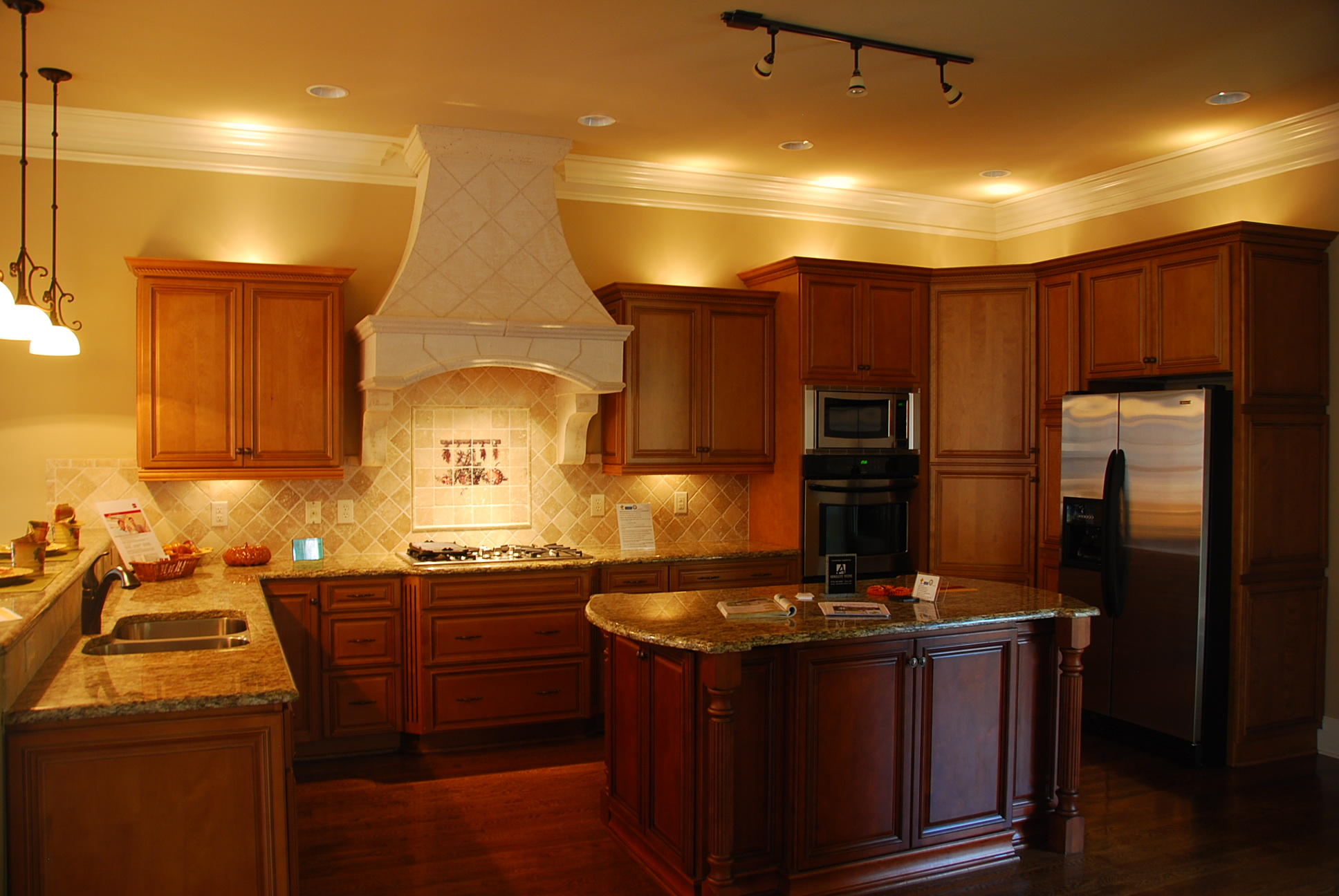 Tahoe-cafe-kitchen-cabinets-with-island