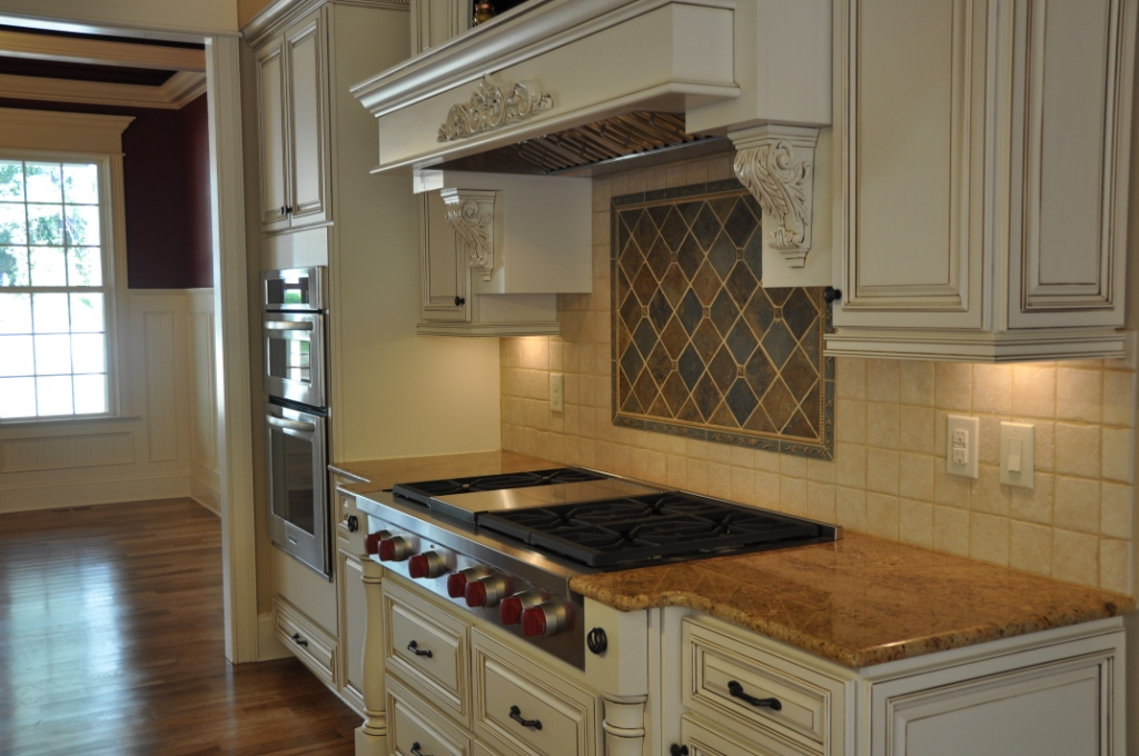 Lenox country linen premium cabinets for Best big box store kitchen cabinets