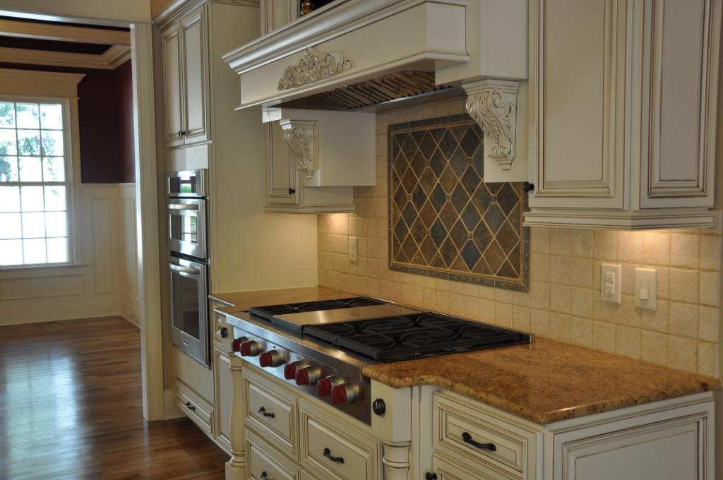 Lenox Country Linen Premium Cabinets