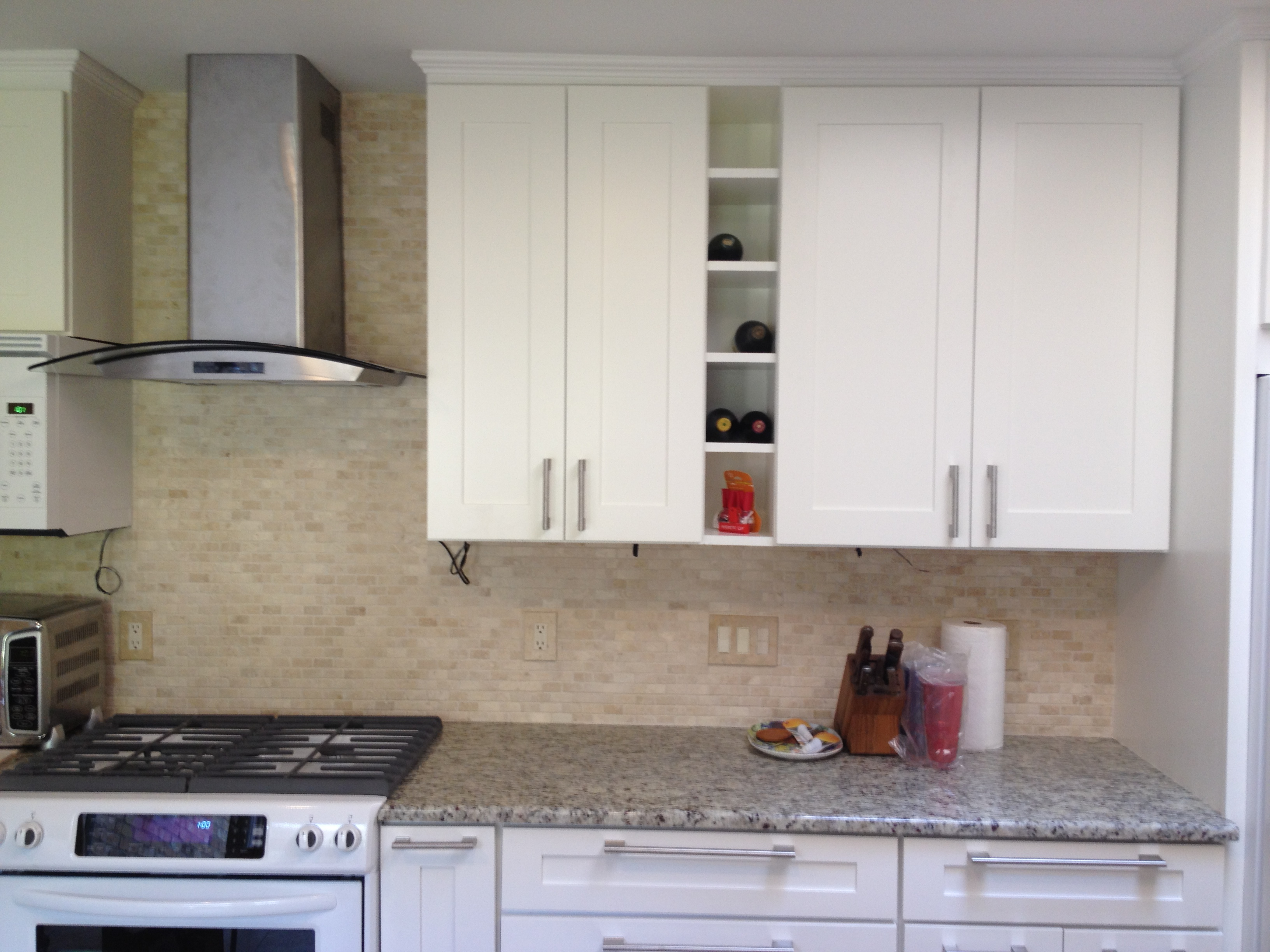 The doorlemma shaker style vs raised panel premium for Shaker style kitchen cabinets