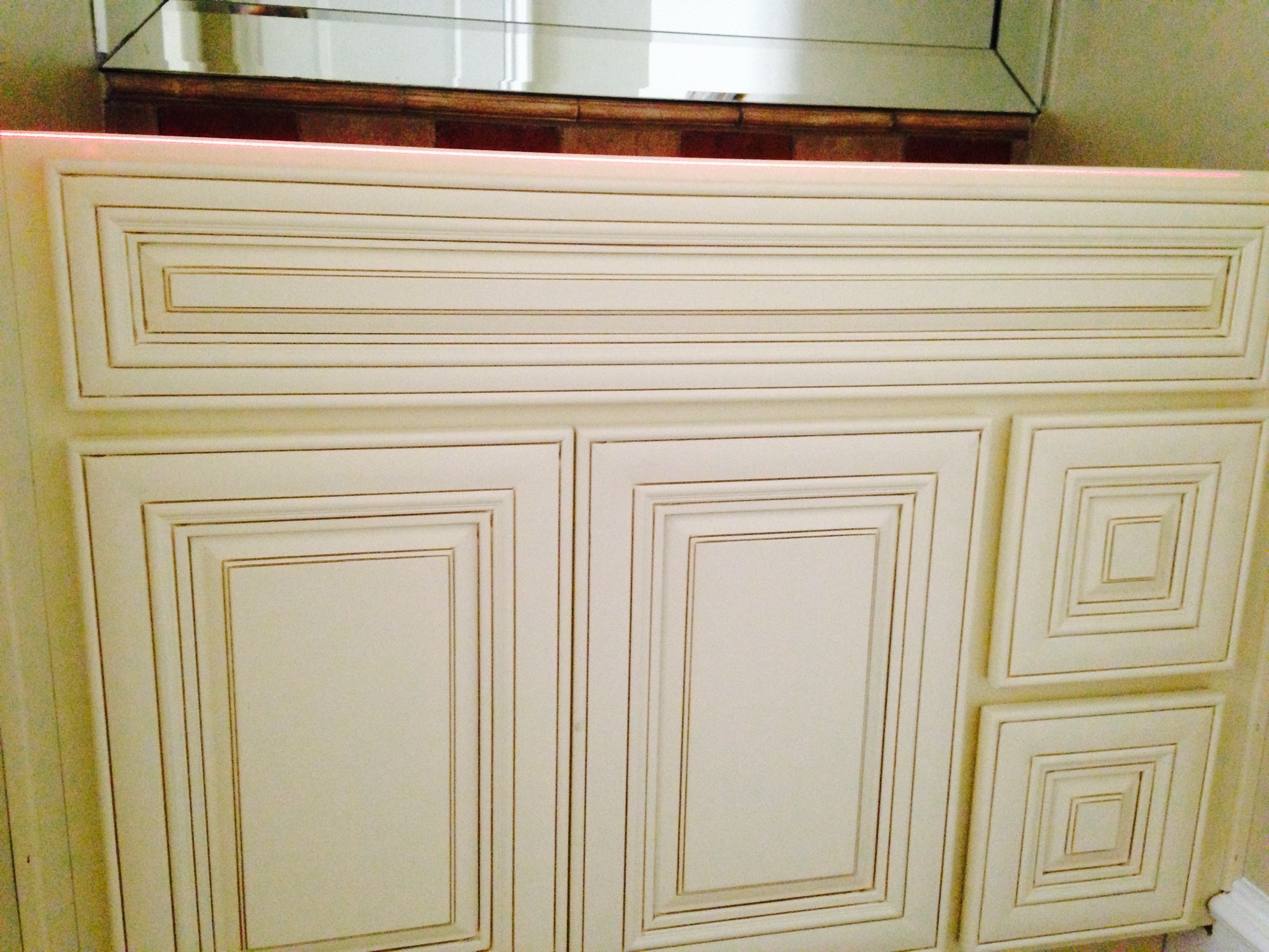 Monroe Cream Glaze | Premium Cabinets