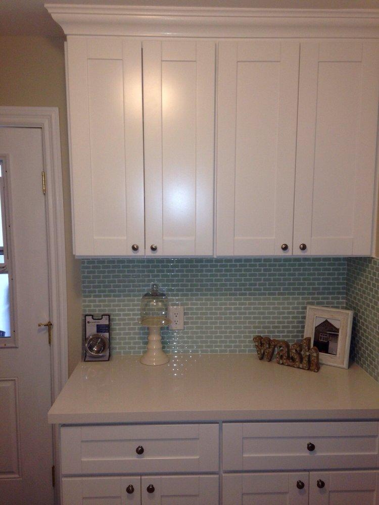 White shaker premium cabinets for Best big box store kitchen cabinets