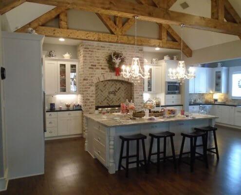White Shaker Kitchen Cabinets & Bar