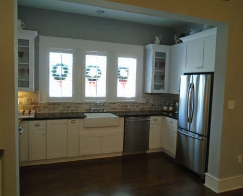 White Shaker Cabinets with Farm Sink Base